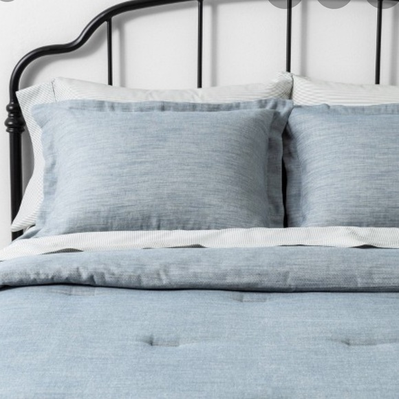 Hearth & Hand Other - Hearth and hand  BLUE TWILL COMFORTER SET